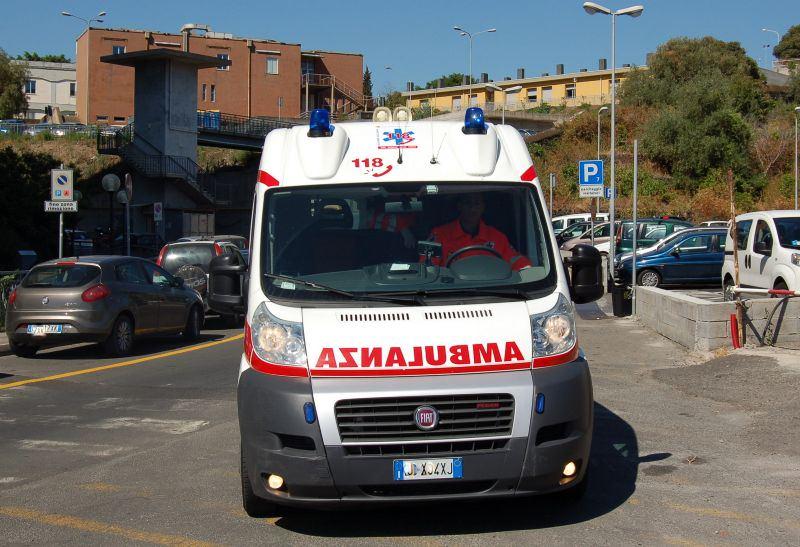 Ladispoli: auto travolge 16enne sulla via Aurelia