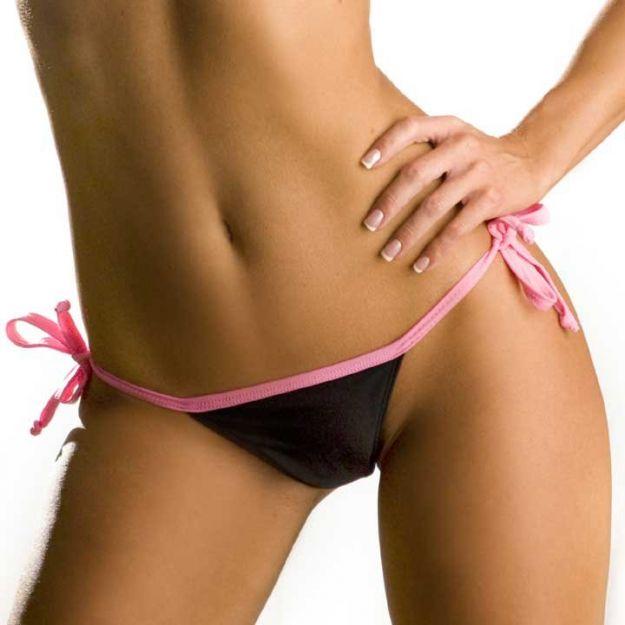 Depilazione intima totale femminile: rischio batteri e irritazioni