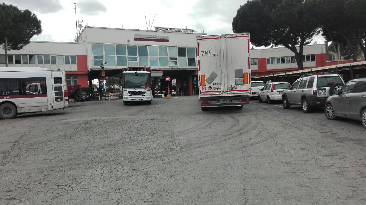 Virginia Raggi visita impianto Ama di Rocca Cencia