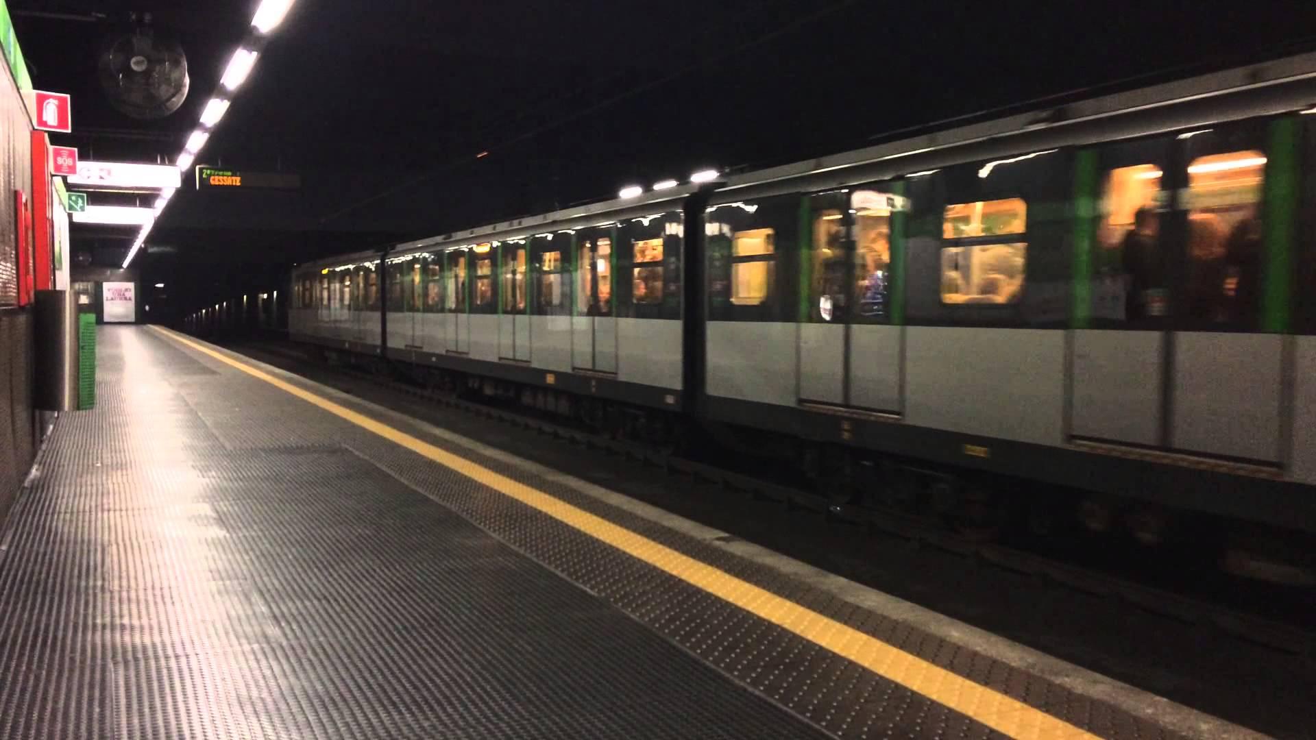 Allarme bomba Milano: pacco sospetto