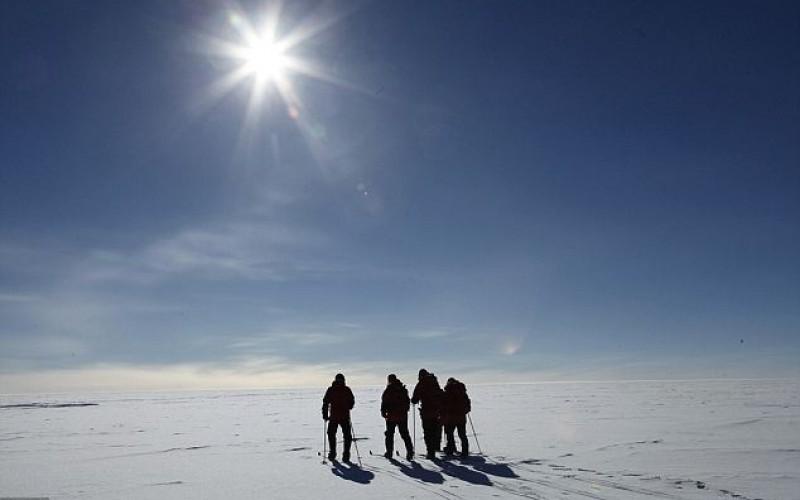 Buco dell'ozono si restringe in Antartide: il motivo?