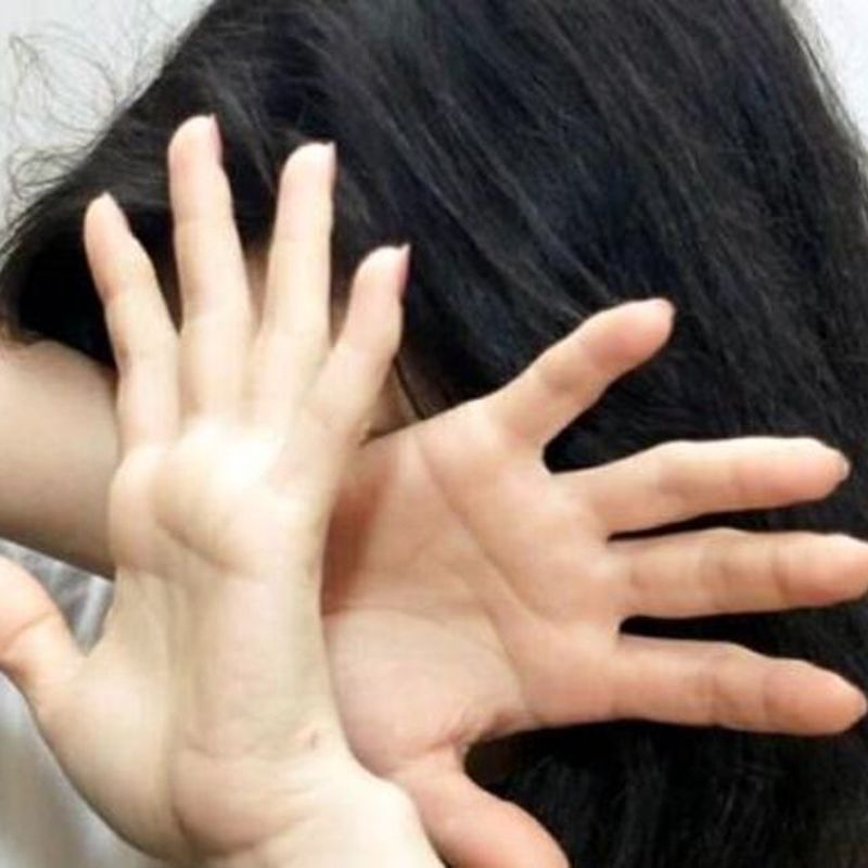 Riccione, senzatetto stuprata da marocchini