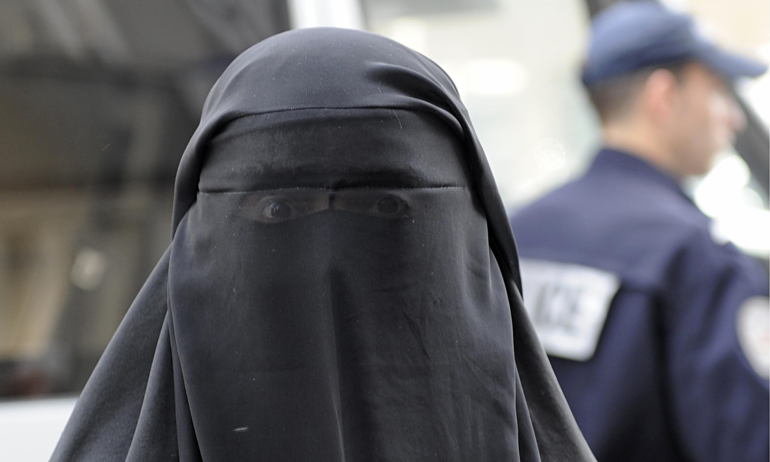 Niente niqab in una scuola tedesca