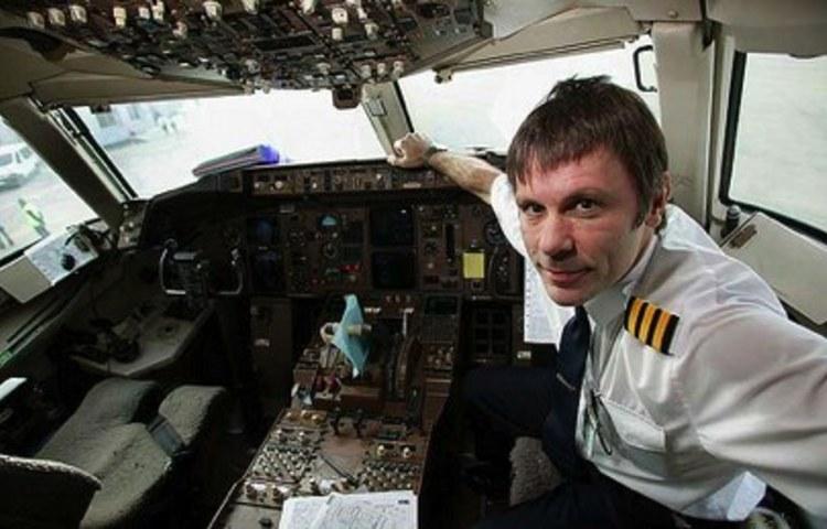Iron Maiden: leader guida volo Olbia-Torino