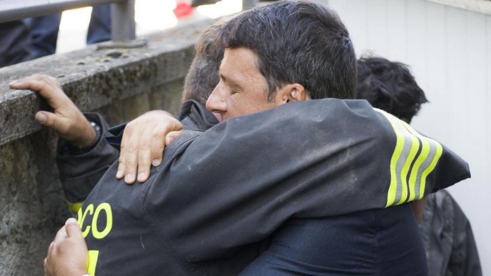 Terremoto, Renzi dalla parte degli amatriciani: funerali ad Amatrice