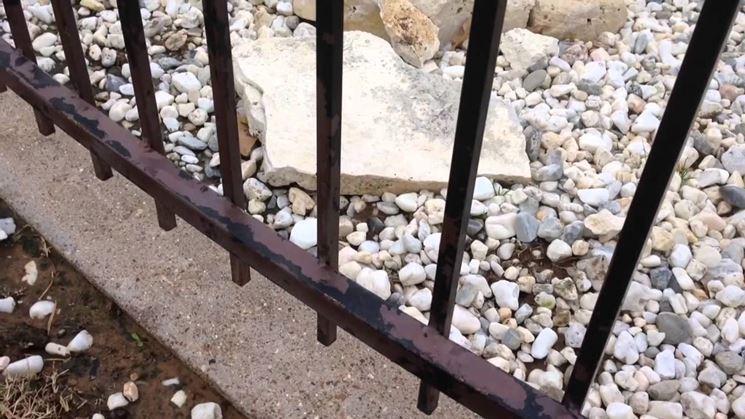 Palermo, ispettore cade dalla scala e viene trafitto da una punta della ringhiera