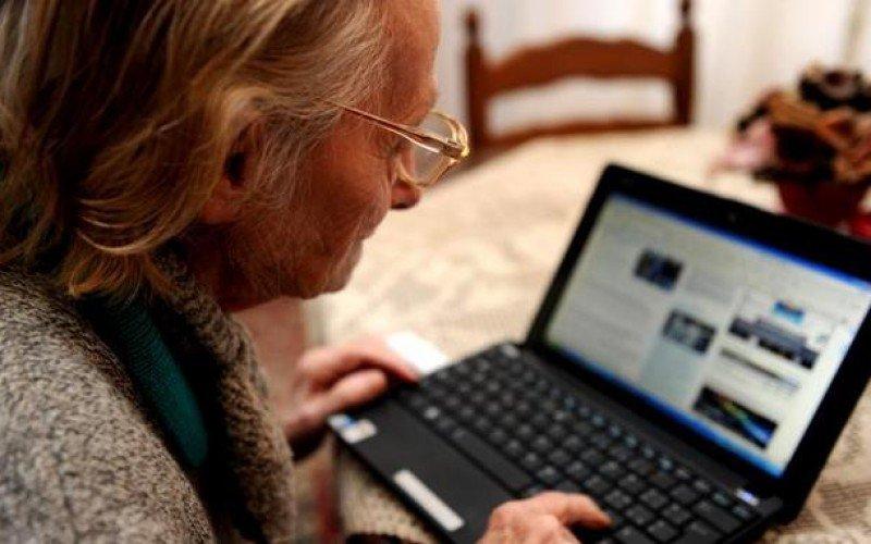 L'alzheimer si contrasta col web