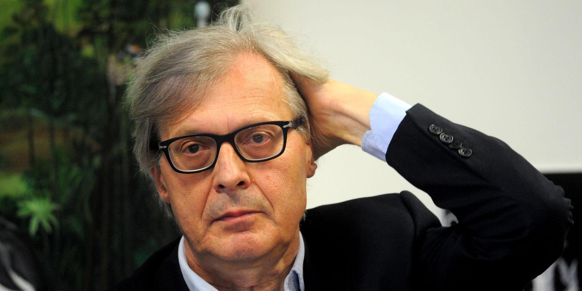 Vittorio Sgarbi critica compagnia Swissair su Facebook