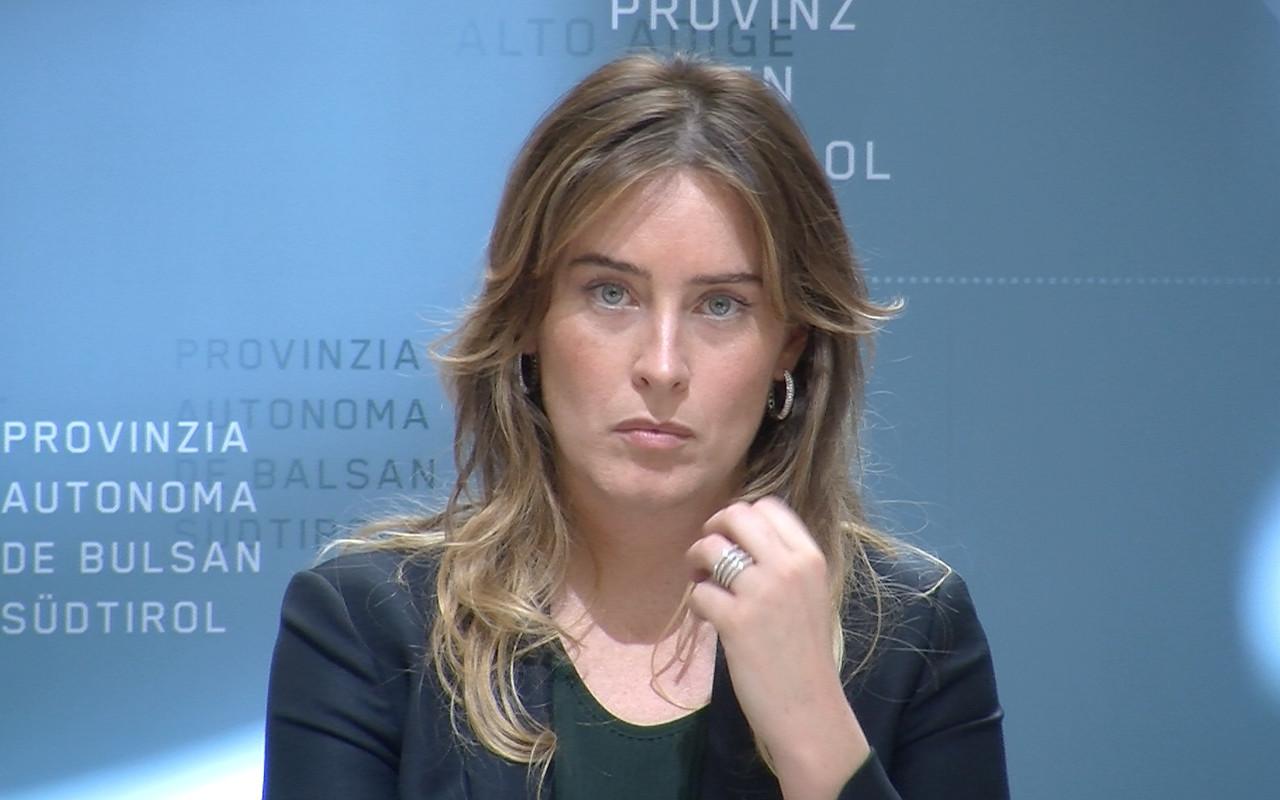 Maria Elena Boschi spiega agli italiani l'importanza del 'sì' al referendum
