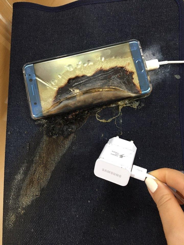 Galaxy Note 7, Samsung sospende produzione e vendite dopo esplosioni