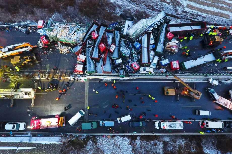 Cina, 17 morti per incidente stradale