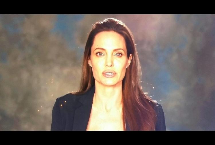 Angelina Jolie, video su Twitter dopo divorzio da Pitt