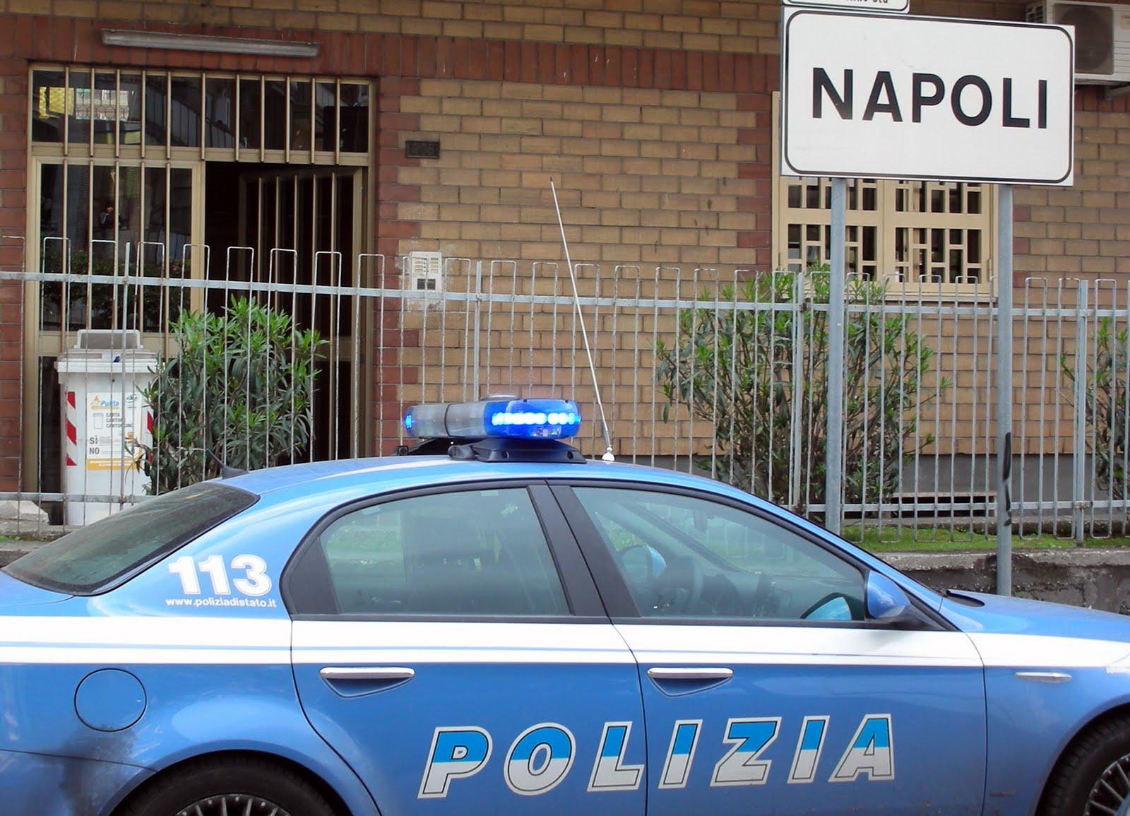Napoli, Honda Sh travolge agente