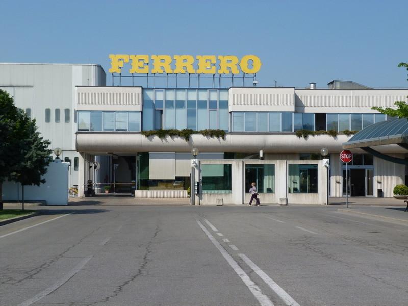 Ferrero: la festa per i 70 anni termina con un evento speciale