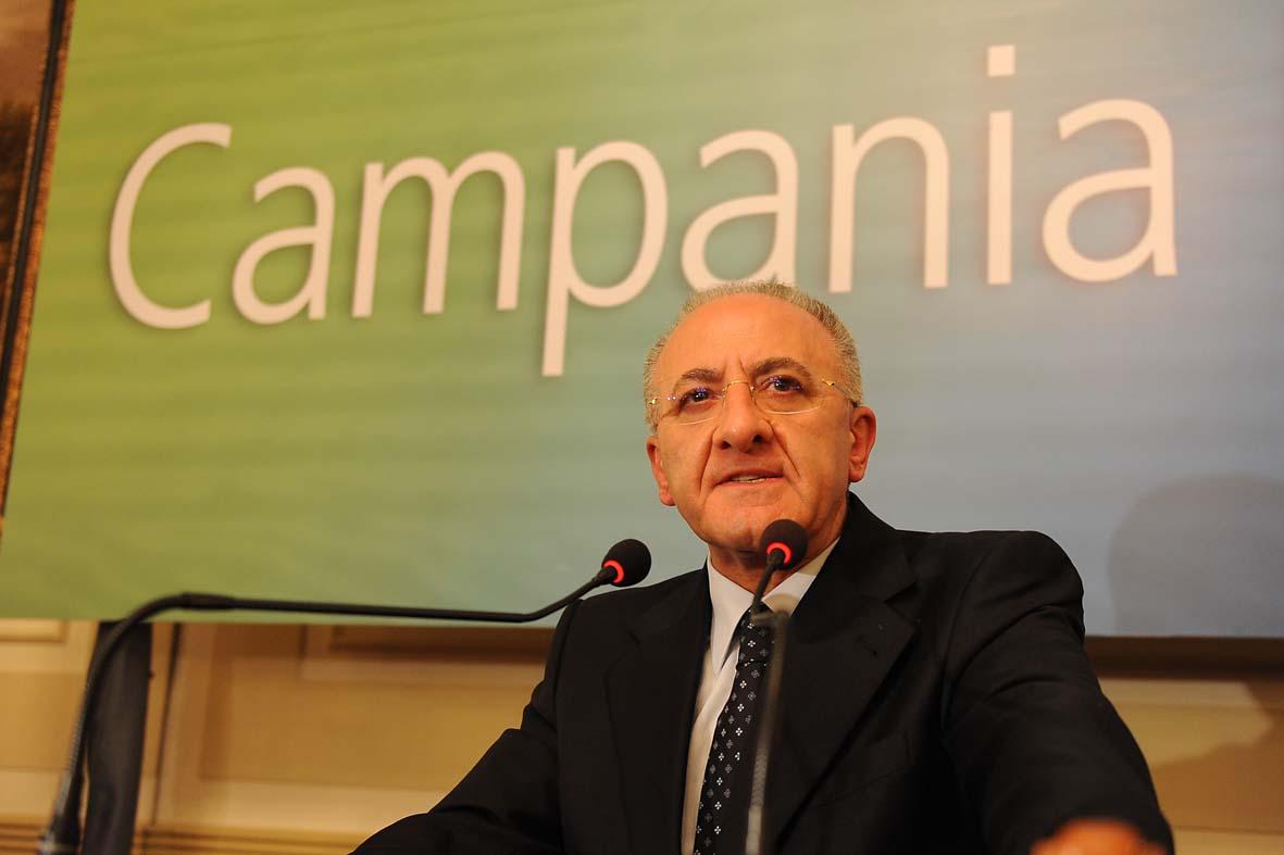 Voto di scambio De Luca: respinta mozione di sfiducia