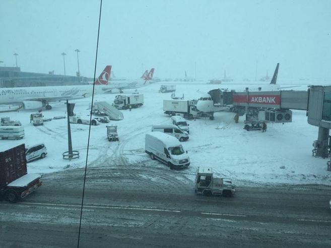 Neve record in Turchia, italiani fermi all'aeroporto di Istanbul