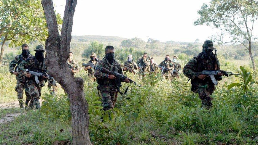 Gruppi paramilitari preoccupano in Colombia