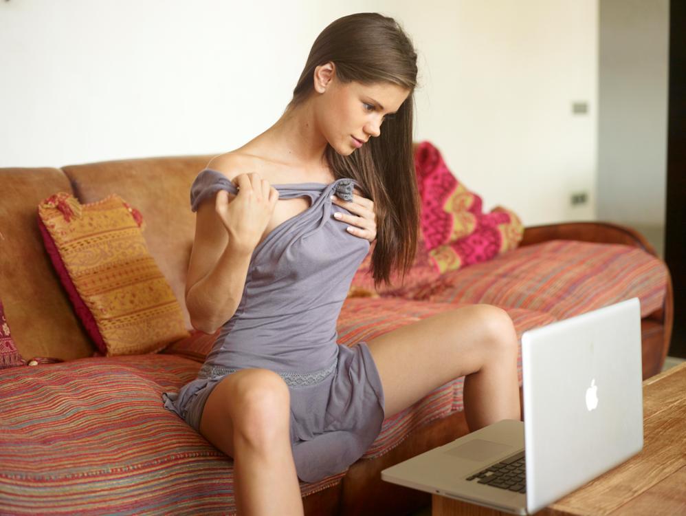 Facebook, quella donna che richiede l'amicizia è pericolosa