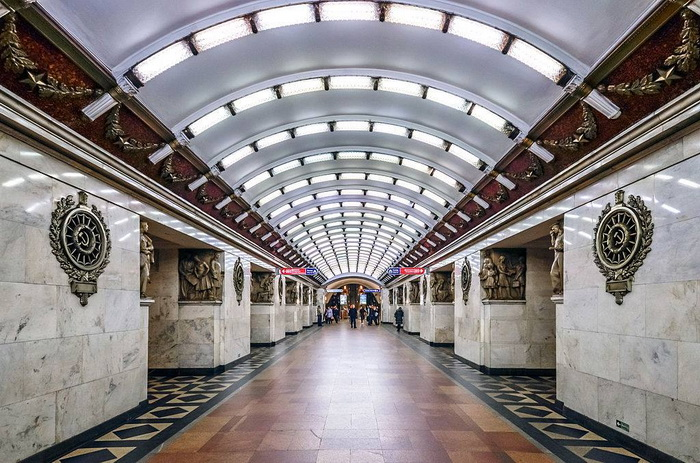 San Pietroburgo: esplosioni alle fermate della metro