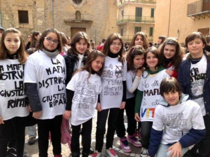 Mafia? Più forte dello Stato per i ragazzi italiani