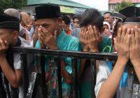 Omosessuali indonesiani condannati a 85 bastonate