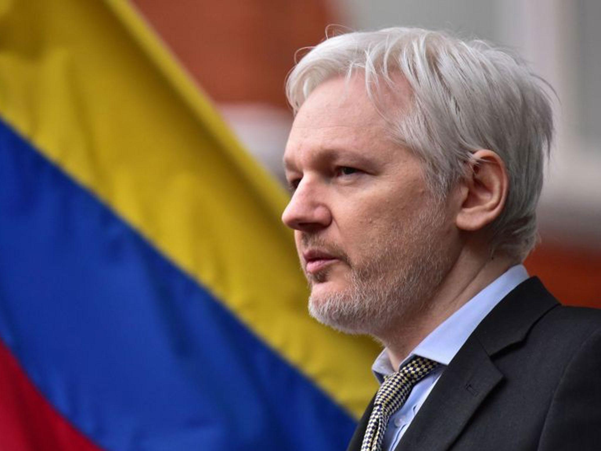Julian Assange, arriva archiviazione dell'accusa di stupro