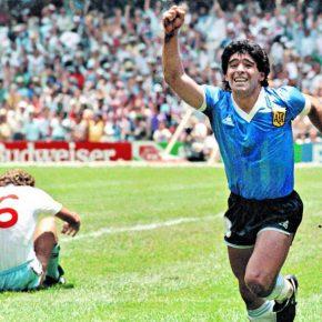 Maglia di Maradona in vendita a Tokyo