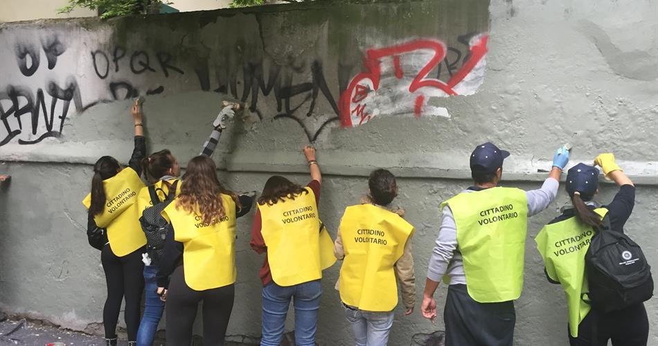 Magliette gialle del Pd a Roma