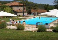 Arezzo, bimbo morto dopo caduta in piscina