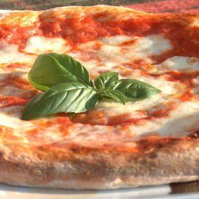 Pizza napoletana: prima scuola per pizzaioli a Osaka