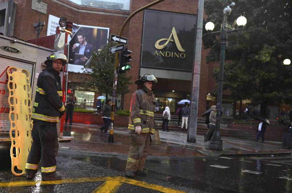 Bogotà, bomba scoppia nel 'Centro Andino'