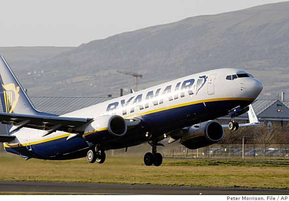 Ryanair, amanti focosi consumano rapporto 'intimo'