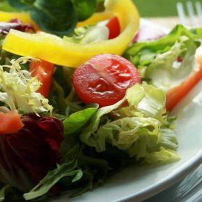 Dieta vegetariana fa perdere peso velocemente ma attenzione ai rischi