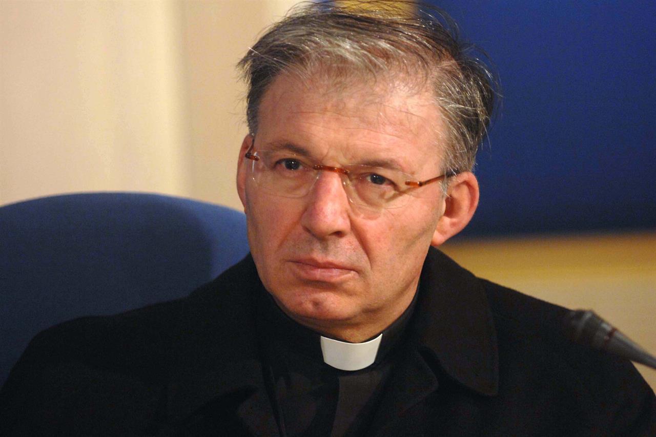 Abusava di minori, don Mauro ridotto allo stato laicale