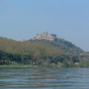17enne annega nel lago di Bracciano