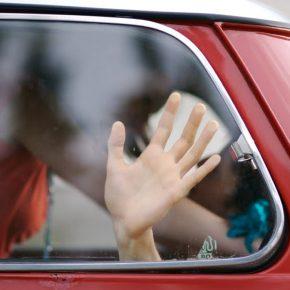 Palermo, fanno l'amore in macchina: fidanzati multati