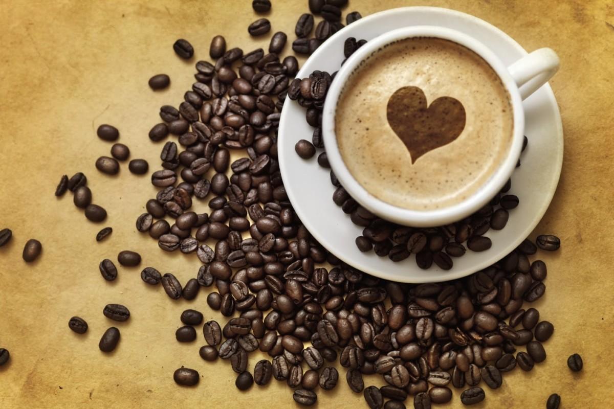 Bere caffè per vivere di più e meglio