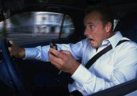 Sospensione della patente per guida con smartphone