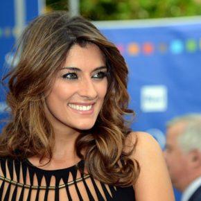 Elisa Isoardi bacia avvocato a Ibiza: e Salvini?
