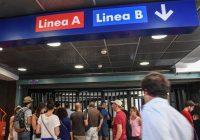 Stazione metro B di Roma, donna incastrata tra le porte convoglio