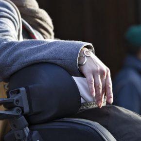 Malata di Sla sottoposta a violenze psicologiche, nove medici e infermieri arrestati