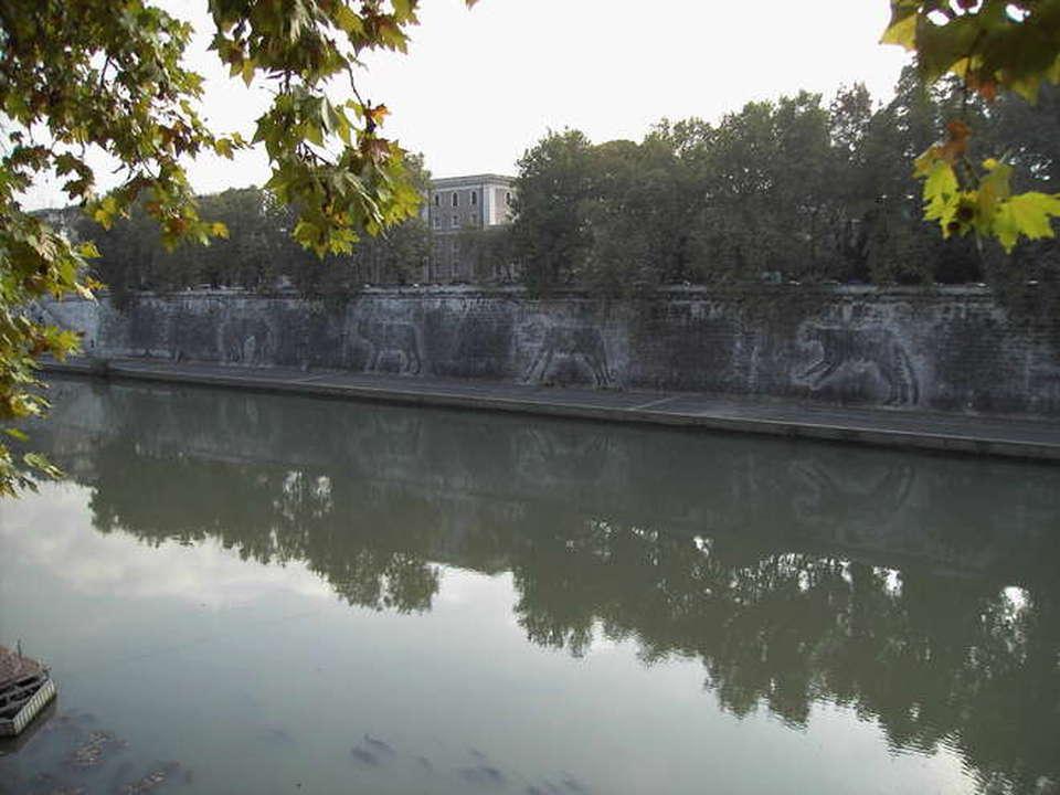 Roma, cadavere di un romeno galleggia sul Tevere