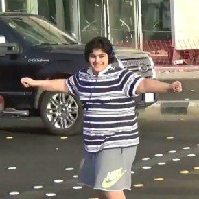 Arabia Saudita, ballare Macarena costa arresto al divertente 14enne