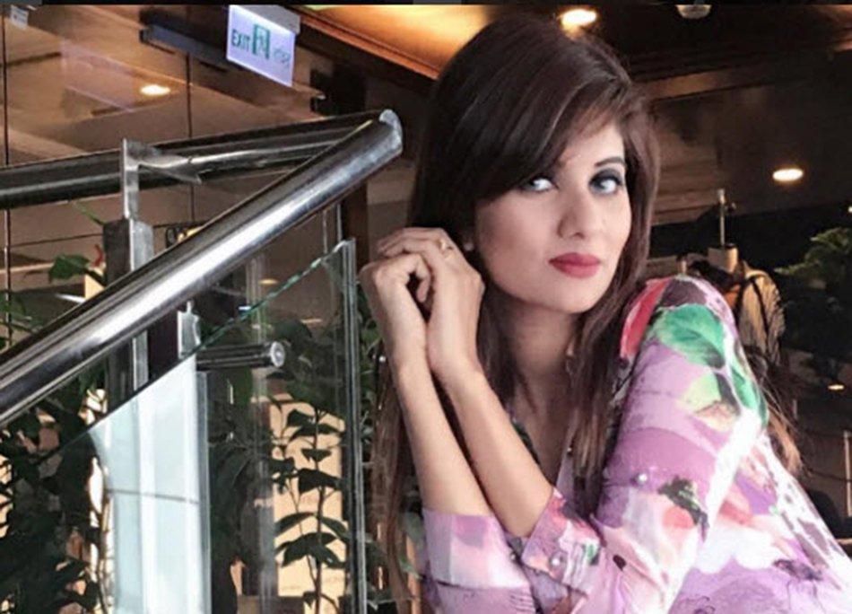 Modella bengalese Risila Binte si suicida in diretta Skype, problemi col marito