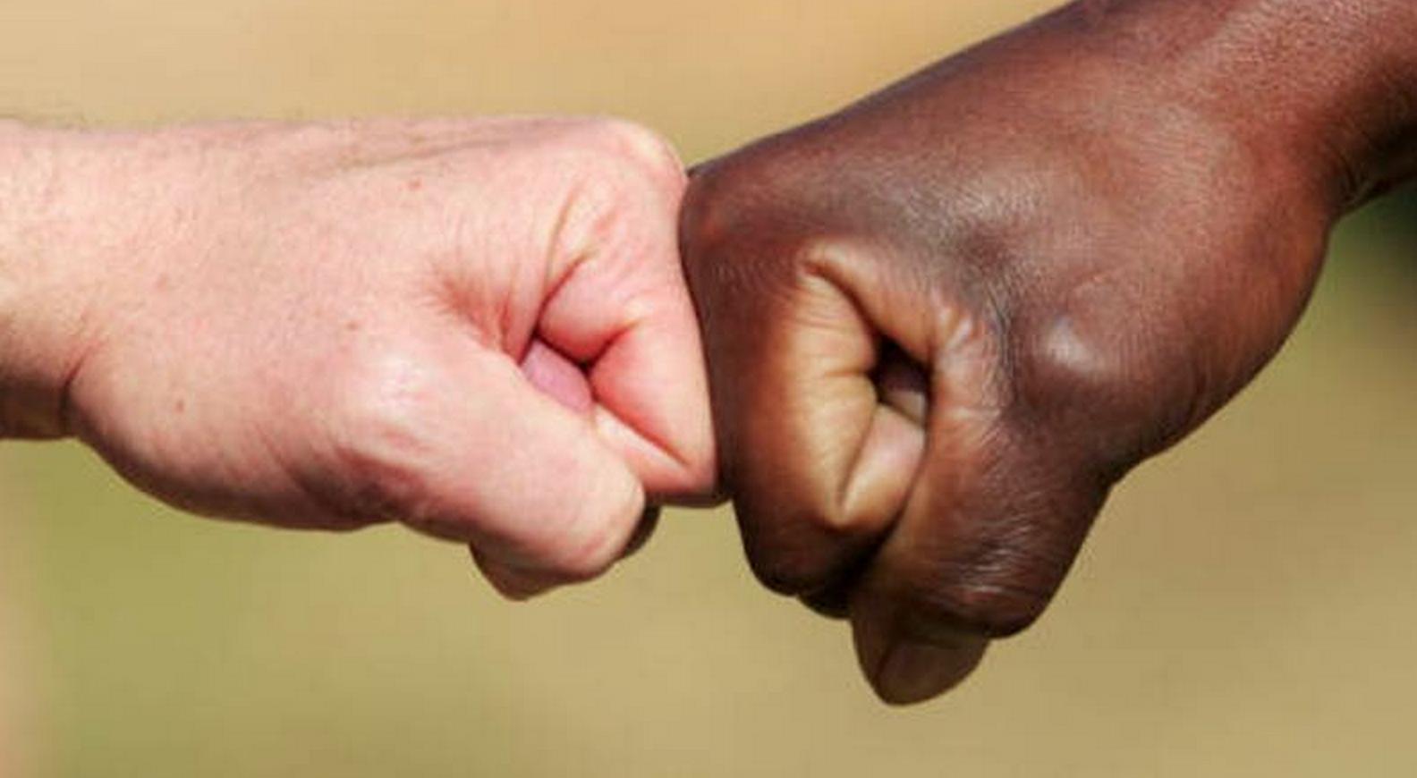 Ragazza di colore non ammessa a una gara canora veronese