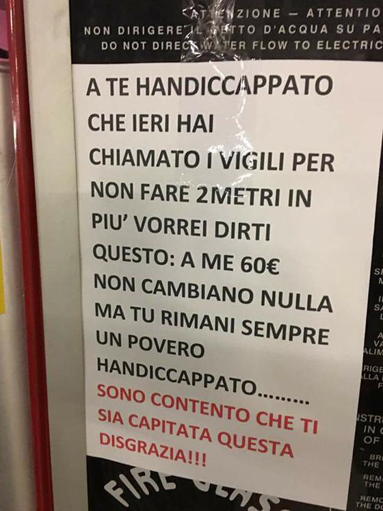 Milano, cartello choc contro disabile al centro commerciale