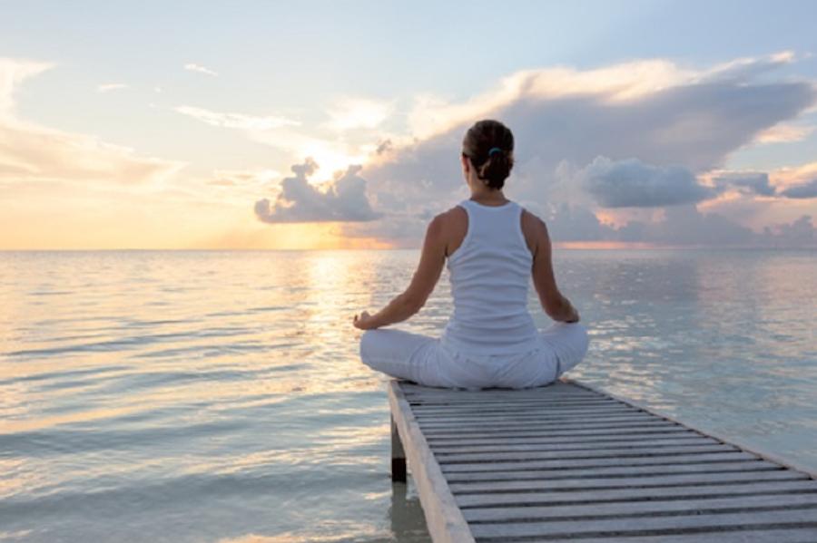 Yoga plasma cervello: elisir contro ansia e depressione
