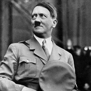 Adolf Hitler spietato e senza remore perché malato di Parkinson?