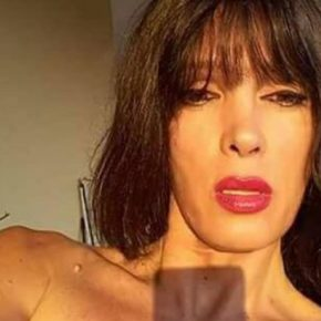 Trans cacciata da un ristorante e offesa
