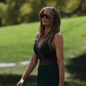 Melania Trump va a Camp David con vestito Missoni